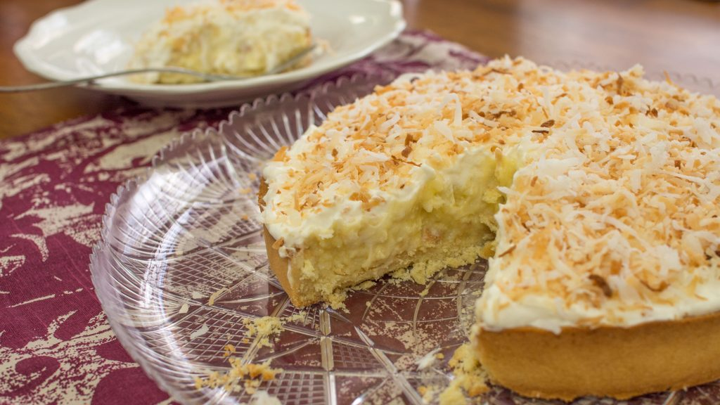 torta de coco fatiada