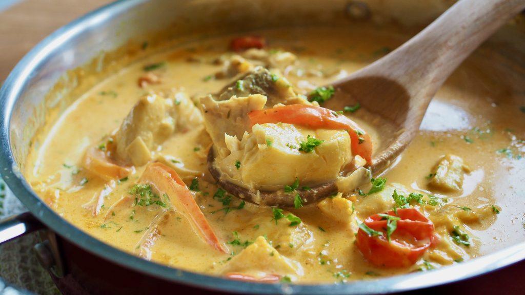 peixe cozido ao molho