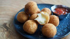 bolinhas de queijo