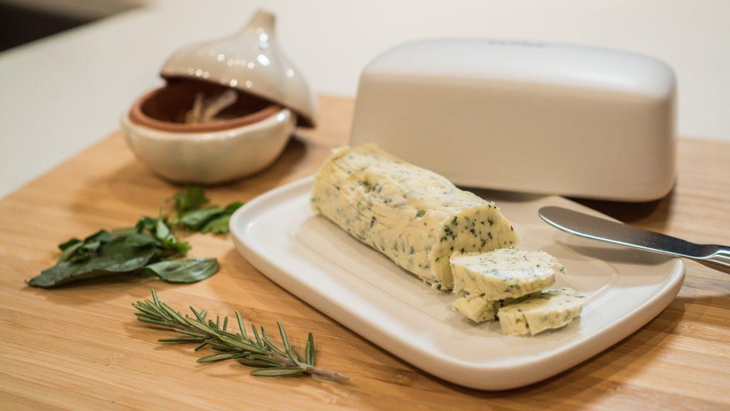 Manteiga com Ervas e Alho Assado
